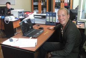Volontärarbete utomlands - volontär på kontor
