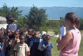 Praktisera eller volontärarbeta med internationell utveckling : Jamaica