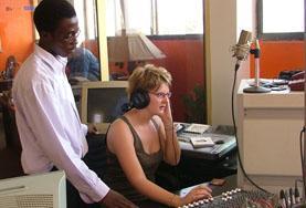 Volontärarbete Utomlands - volontär sänder radio