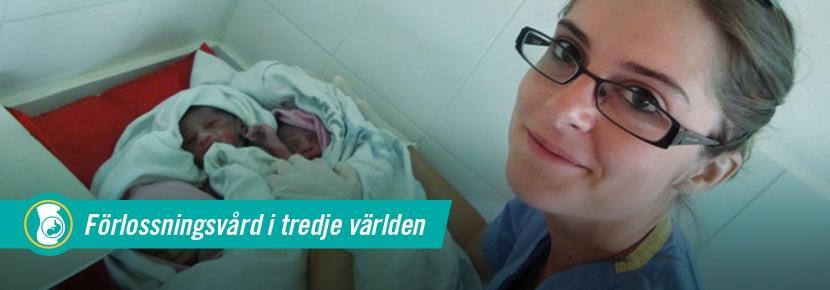 Kvinnlig volontär från Projects Abroad tillsammans med nyfödd bebis