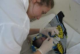 Volontär och praktik som barnmorska utomlands : Tanzania