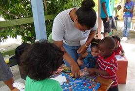 Volontär med barn, ungdomar och äldre : Belize