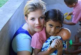 Volontär med barn, ungdomar och äldre : Fiji