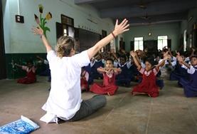 Volontär med barn, ungdomar och äldre : Indien