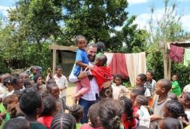 Volontär med barn, ungdomar och äldre : Madagaskar
