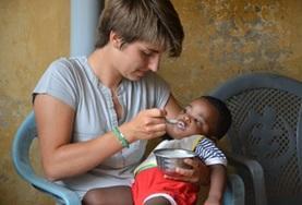 Volontär med barn, ungdomar och äldre : Togo