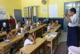 Volontär med barn, ungdomar och äldre : Burma (Myanmar)