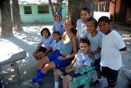 Volontärarbeta med skolidrott utomlands : Costa Rica