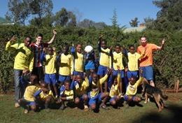 Volontärarbeta med skolidrott utomlands : Kenya