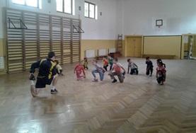 Volontärarbeta med skolidrott utomlands : Rumänien