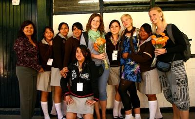 Volunteers with their students on the undervisning project in Mexico