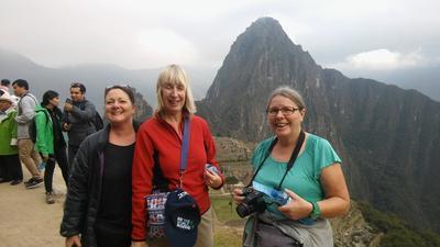 Besök till Machu Picchu för äldre volontärer