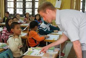 Undervisning - volontärarbete eller lärarpraktik utomlands : Vietnam