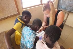Volontär i Togo : Omsorg