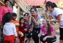 Ungdomsvolontär med barn & ungdom : Kambodja