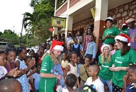 Volontär på Jamaica - Åk på volontärarbete i Karibien! : Julprojekt - Omsorg